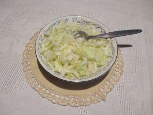 Salát z hlávkového zelí